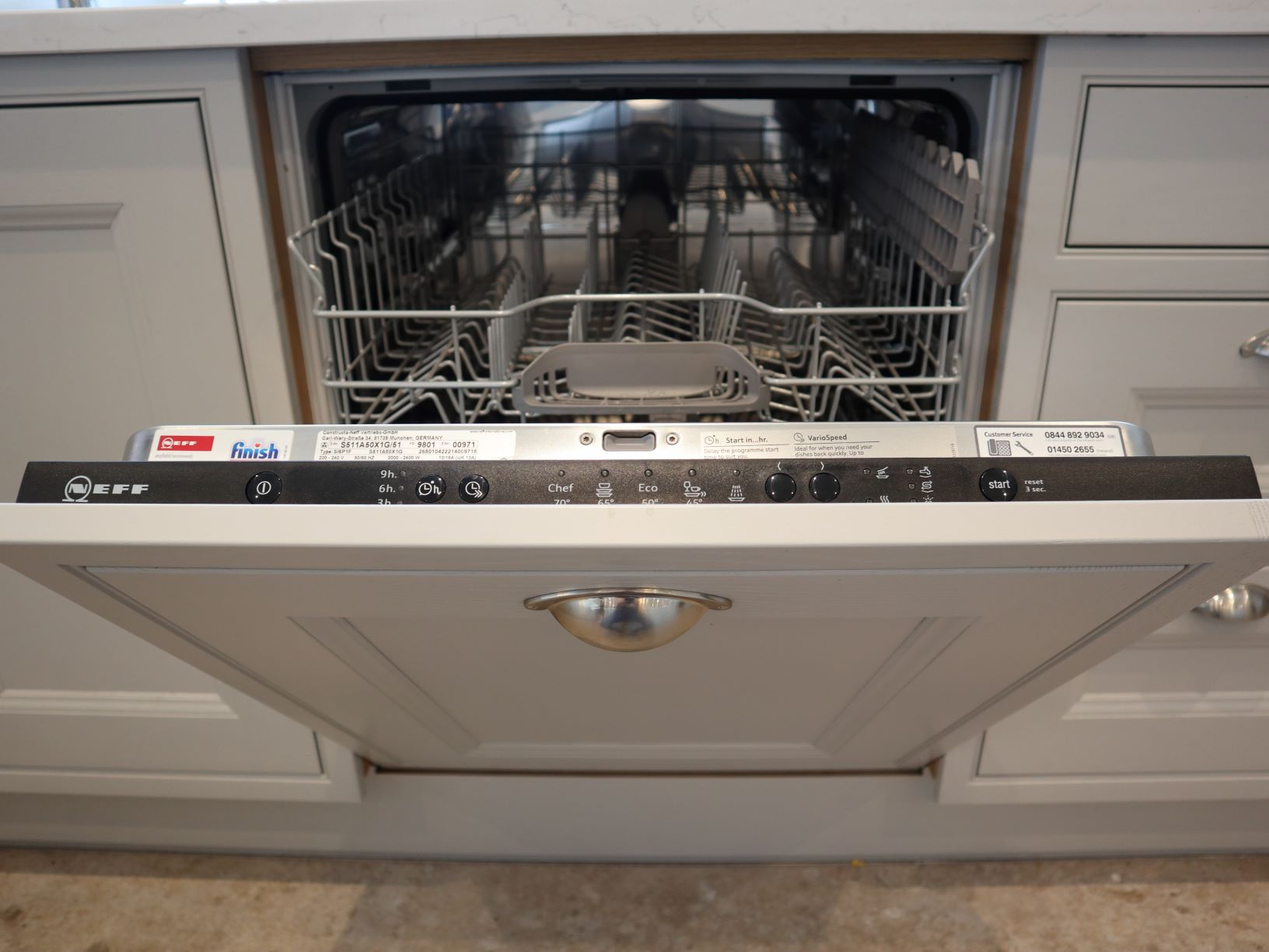 Thwaite Integrated Dishwasher in Light Grey