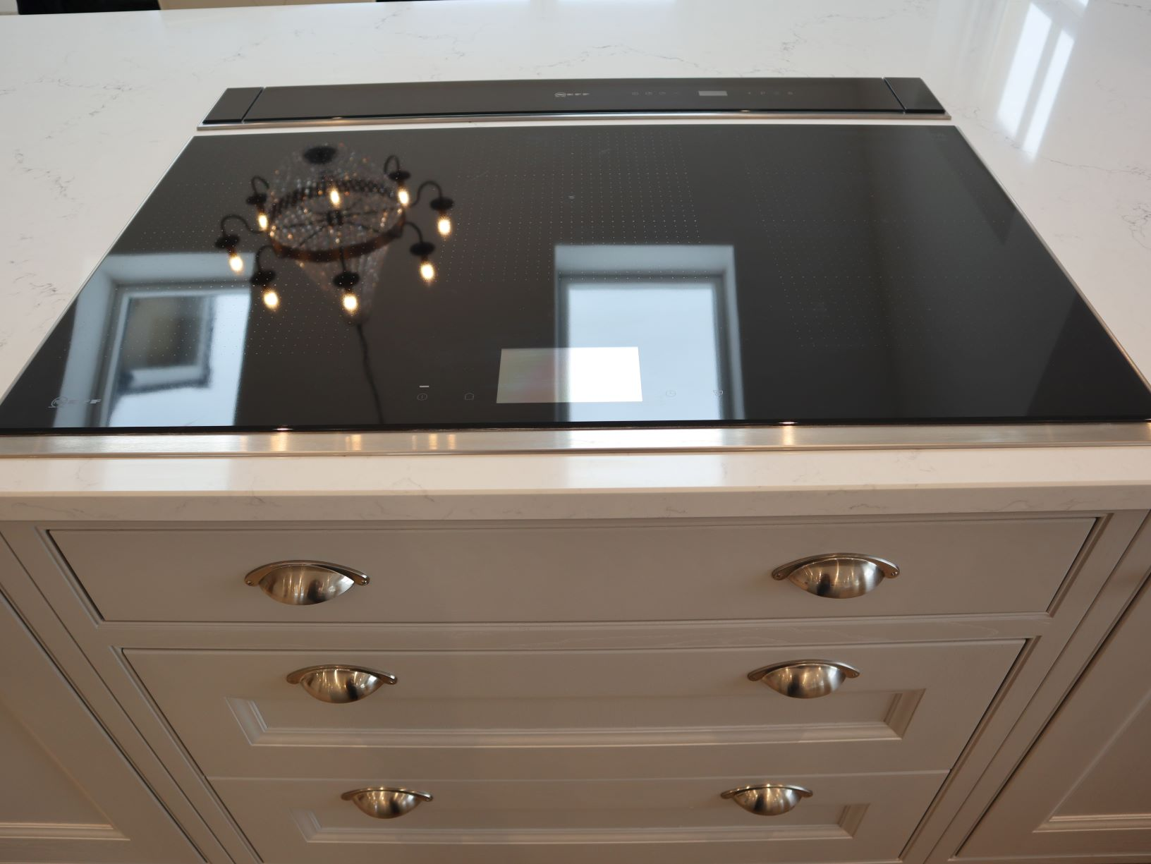 Thwaite Pan Drawers in Light Grey